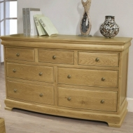 le manoir 7 drawer wide chest